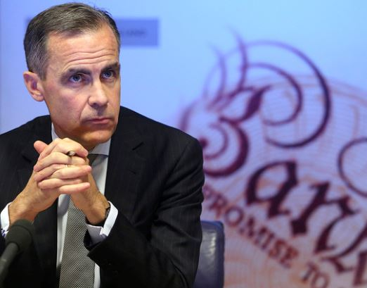 British pound sinks as BOE members signal unwillingness to raise rates