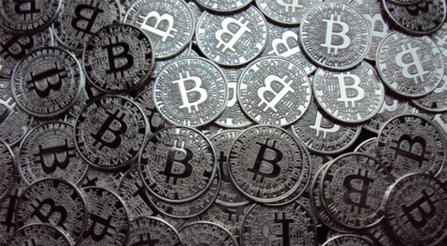 Bitcoin/USD tumbles as China implicitly bans banks from trading it
