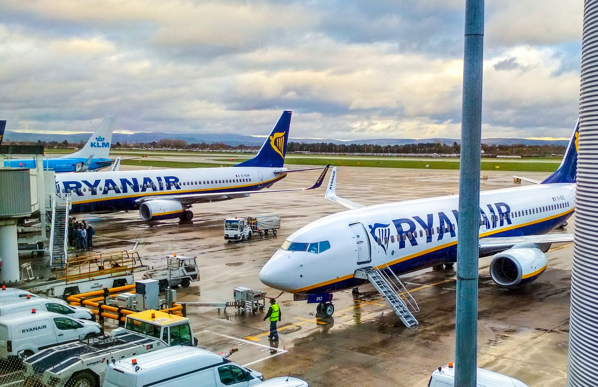 Ryanair stock price pops as airliner plans to resume 40% of July flights