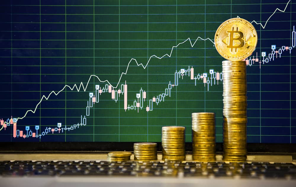 Can Bitcoin Reach $9000 This Month?
